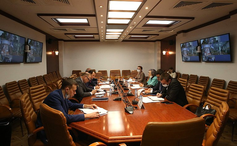 Ю. Федоров: Подключение домохозяйств к газораспределительным сетям должно быть обеспечено без привлечения их средств
