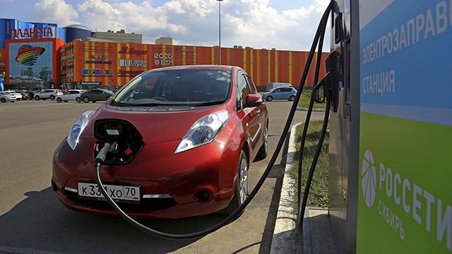 Россети Сибирь поделились опытом развития зарядной инфраструктуры для электромобилей с бизнес-сообществом Технопарка Сколково
